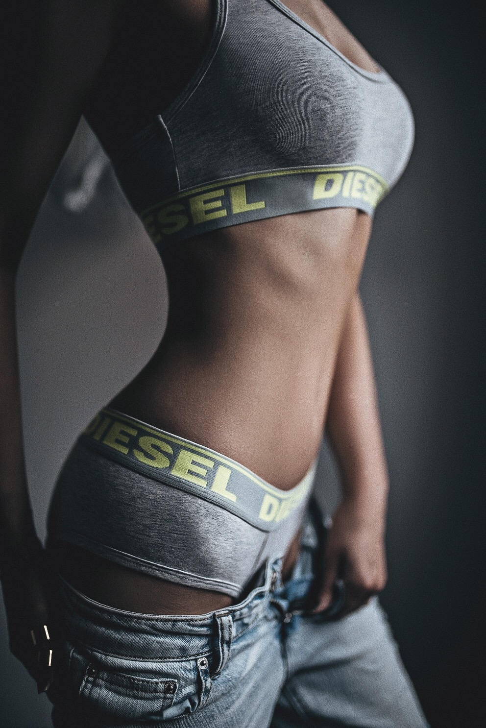 Oksana Review Diesel Grey & Yellow Set