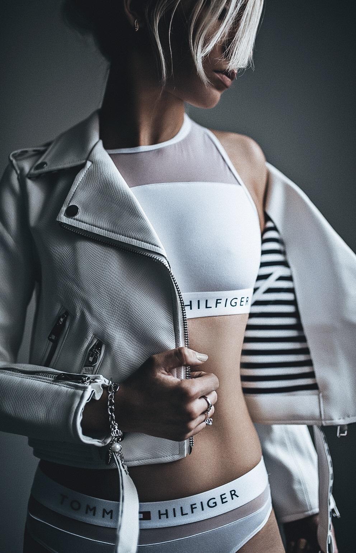 Oksana - Blog Tommy Sheer Flex White
